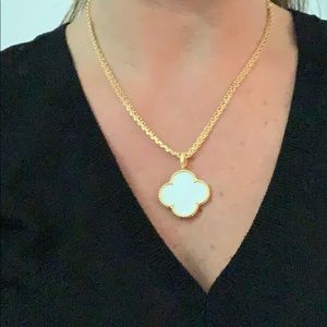 Jewelry - Gold mother of pearl Alhambra long necklace